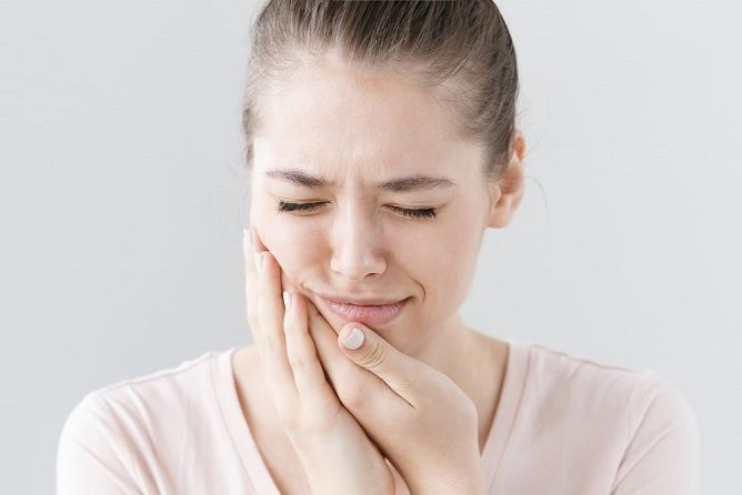 Sensitive teeth; causes and treatment options